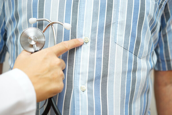 肠胃炎有三个典型表现!出现任一,都要留个心眼