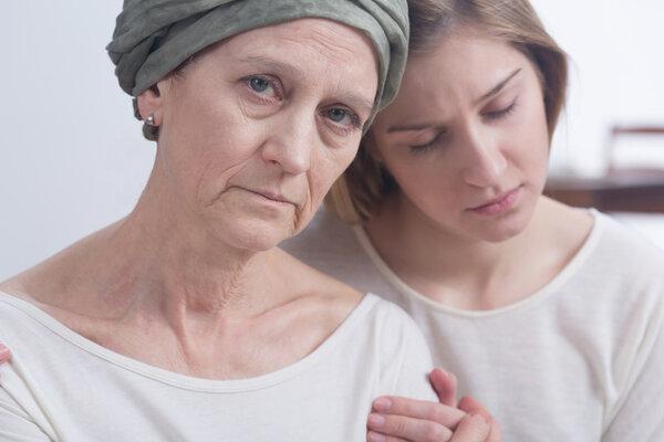 母亲化疗,子女应该怎么做?一定要注意这三点