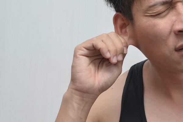 年纪轻轻耳聋?及早佩戴助听器