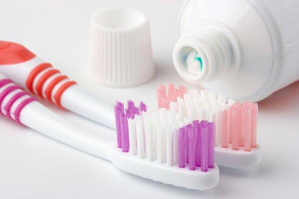 牙刷用多久应该换?3种情况立即更换
