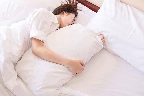 一放假就狂补觉,为什么却越睡越累?