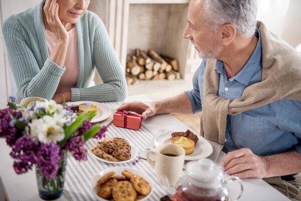 情绪化饮食易导致肥胖病傍身 专家建议充实生活别被情绪左右
