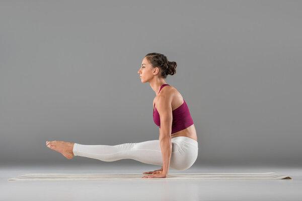 瑜伽可以瘦屁股吗 瑜伽瘦屁股拉伸动作
