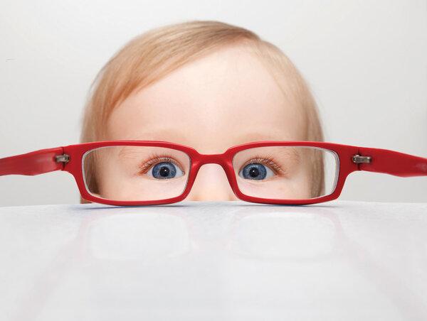 怎样预防孩子近视?眼科专家:家长需做好4点