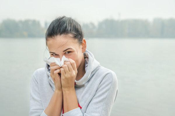 治疗过敏性鼻炎中医副作用少优势更明显