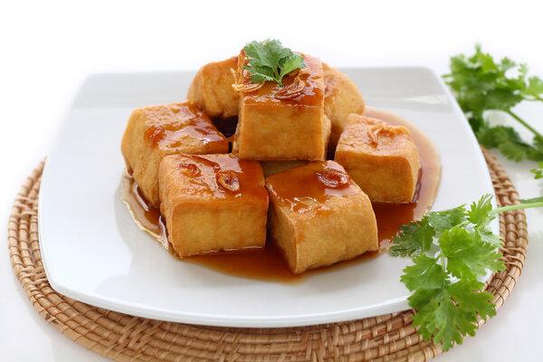 臭豆腐配料里竟有屎!还能愉快地吃臭豆腐吗?