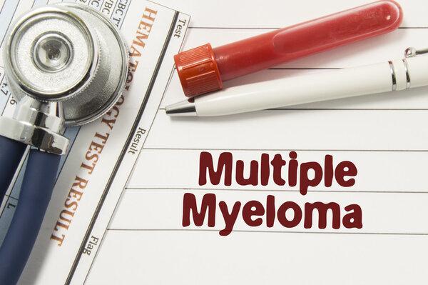 医生提醒:多发性骨髓瘤对老人威胁最大!出现2类症状要小心