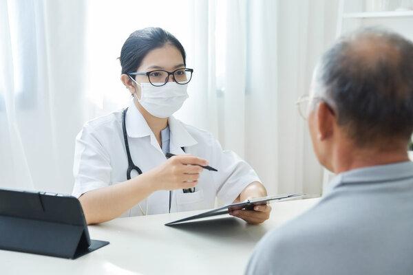 为什么女医生到这个年龄纷纷