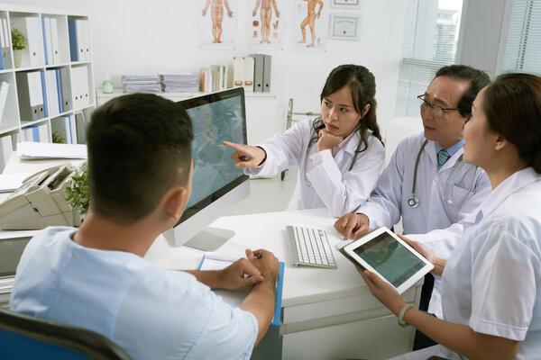 医务人员疑似或确诊流感可不