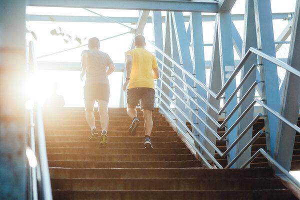 研究盘点:运动锻炼是如何改善人体健康的?