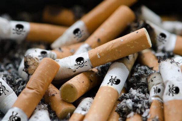 小时候吸二手烟,长大易患脂肪肝