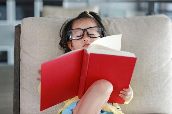 智慧妈妈:疫情期间延迟开学,娃总想看电视玩手机怎么办?