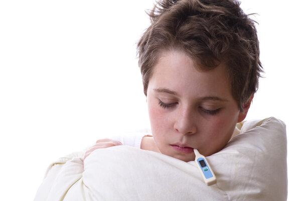 在治疗五岁以下儿童的发烧方面,布洛芬与扑热息痛更有效