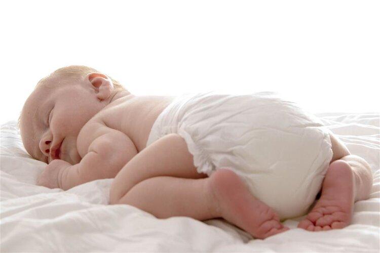 听说纸尿裤影响生育功能?开裆裤和纸尿裤,孩子到底穿哪个好?