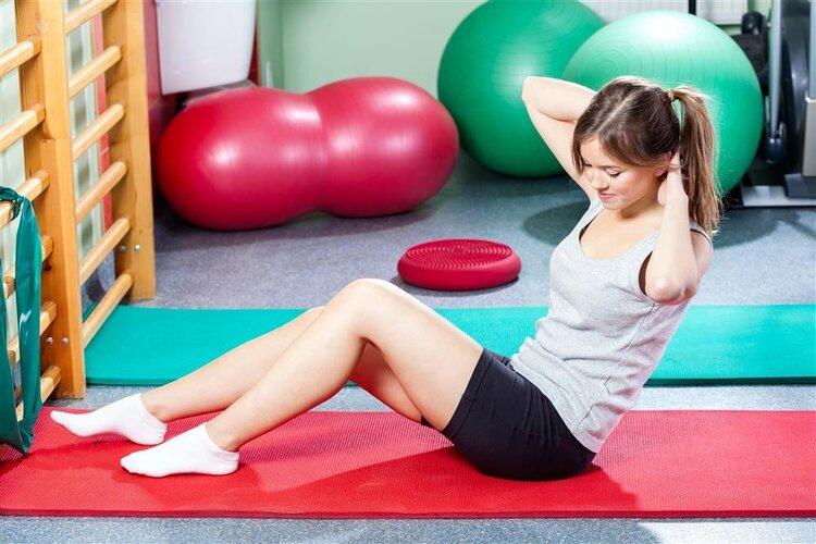 仰卧板可以帮助女生们减肥练腹肌嘛?