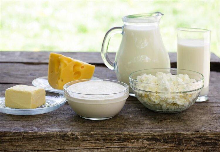 晚上喝牛奶真的可以丰胸?什么时间喝效果最佳