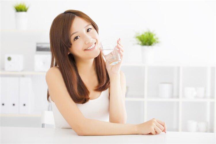 喝水也会影响血糖!孕期这样喝水才科学