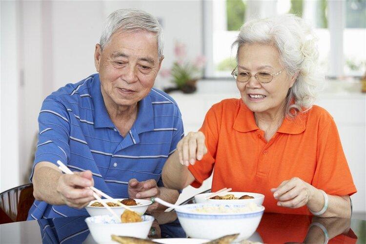 清淡饮食反而吃出一身毛病?不是个例,医生说出问题的真相