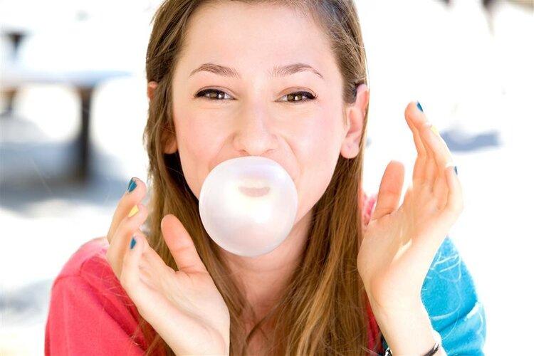 口香糖会让你的脸变大还是变小?