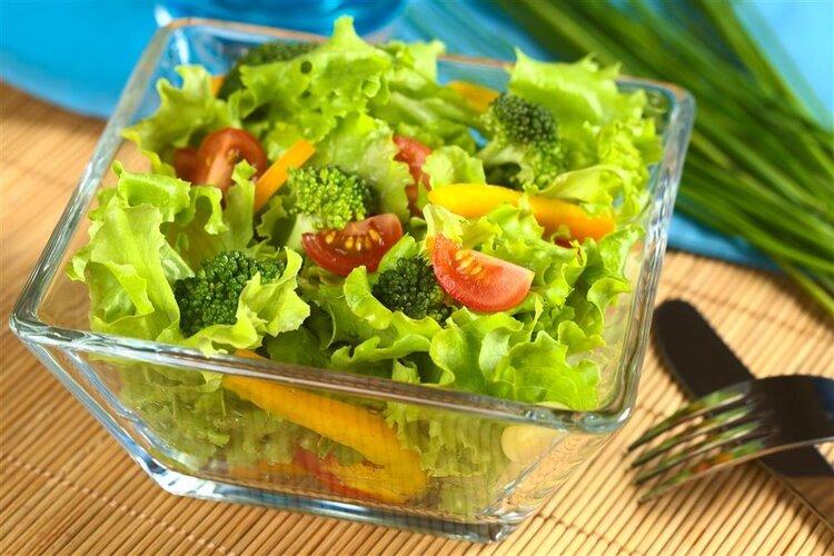睡觉前你如何减肥?吃蔬菜是为了减肥还是增加体重?