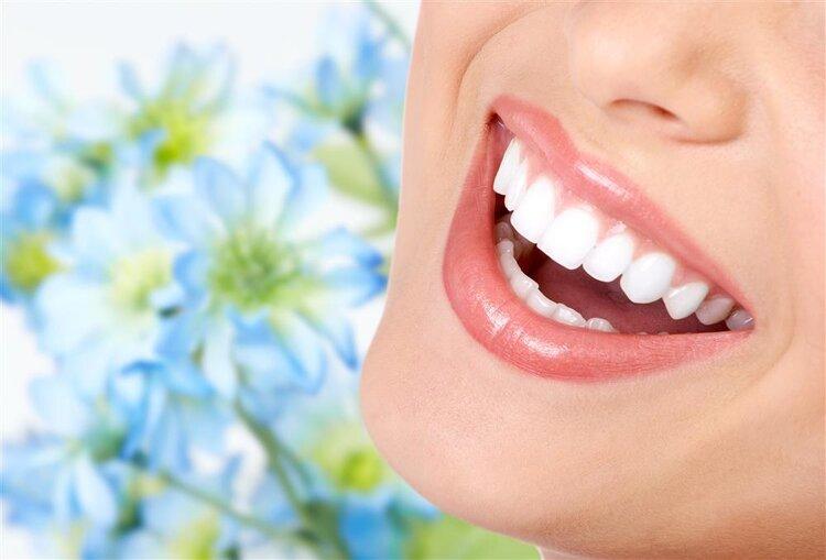 不用再去洗牙了 6个小妙招让牙齿由黄变白