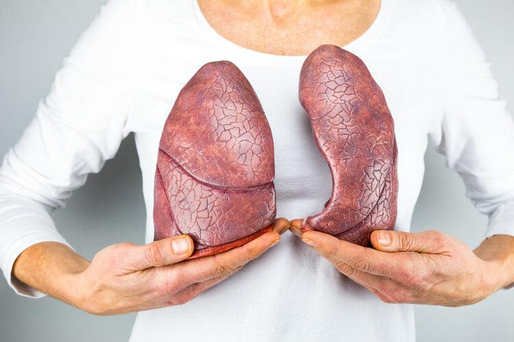 经常吸烟的人,多留意6个问题,肺健康不会离开你