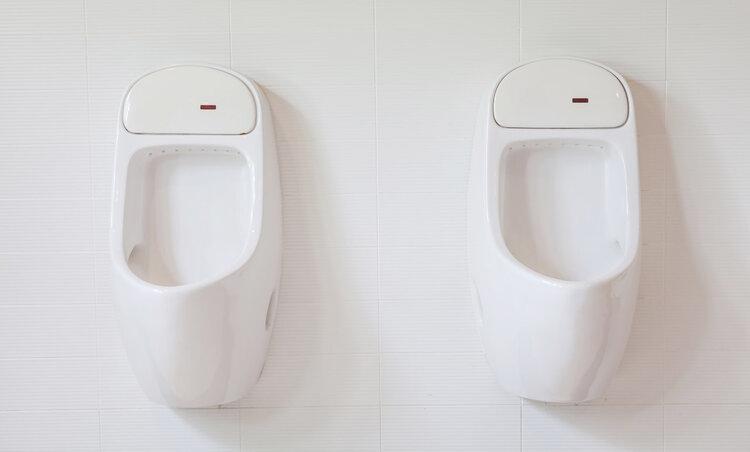一晚上三四次厕所?老人用好四个办法,夜尿会减少