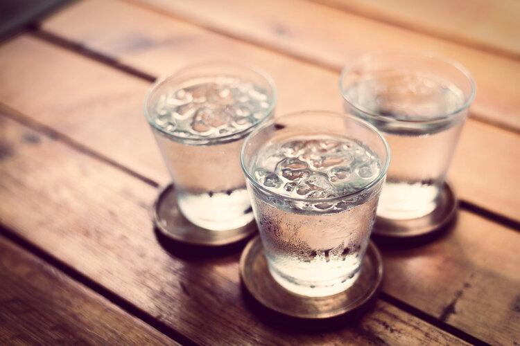 医生劝你多喝开水,不是没道理!这4个好处润物细无声