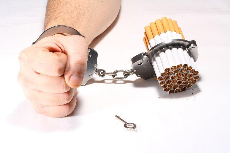 """""""老烟枪""""怎么养肺?日常做好2点很重要,为身体好"""