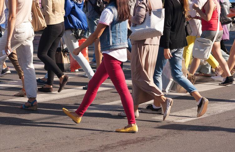 每天饭后快步走半小时,是身体脂肪的高速燃烧期