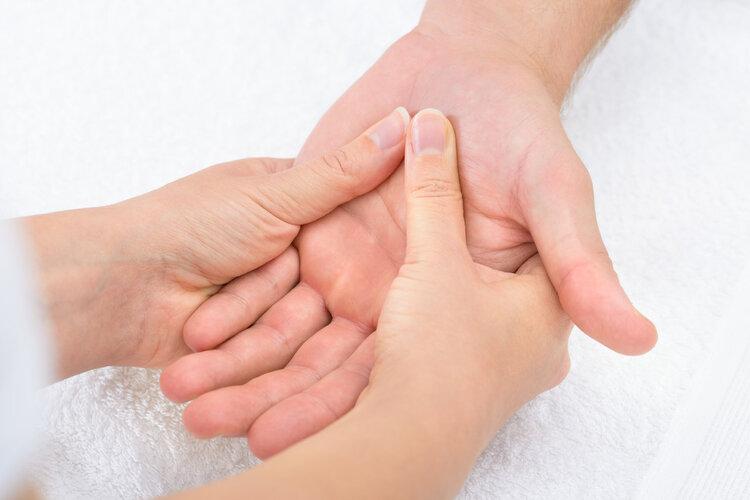 掌纹有这特征的女人易患妇科病