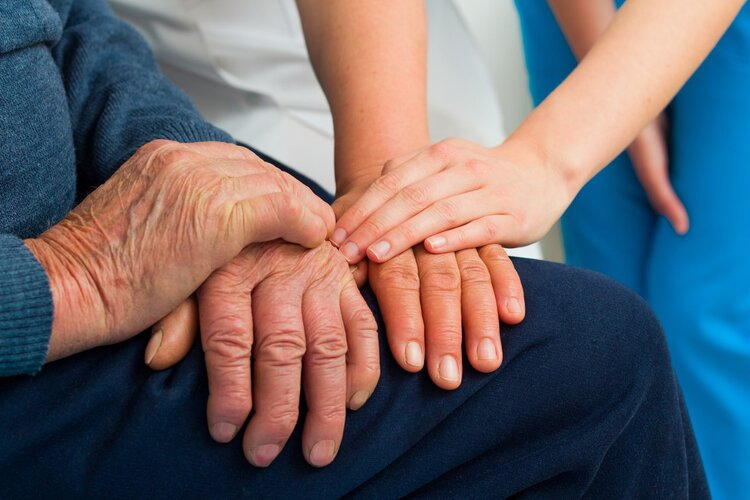 提醒:老年痴呆有2大早期预警,多少子女遗憾错过! 生活与健康 第3张