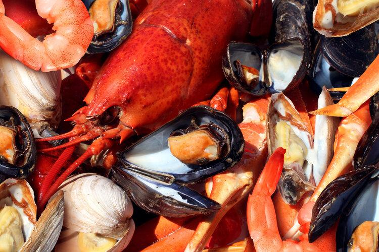 海鲜吃到胃痛,该怎么办