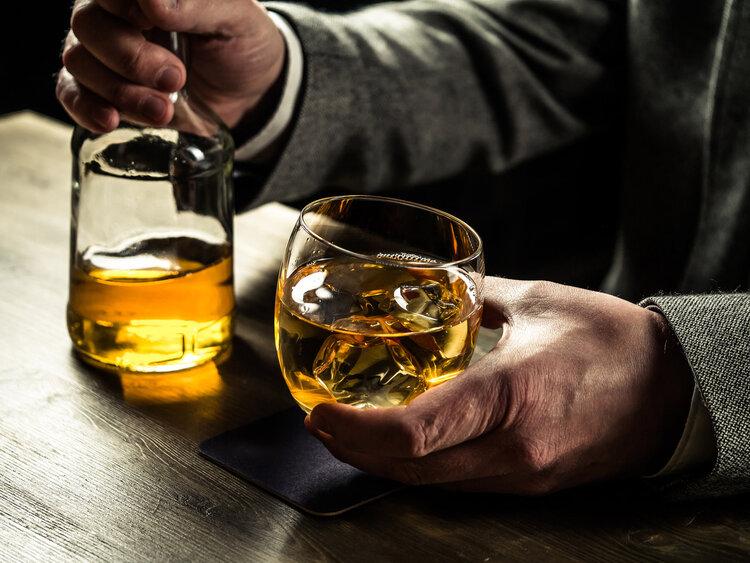 戒不了酒,也得懂得护肝!这5大方法,酒鬼要牢记于心里