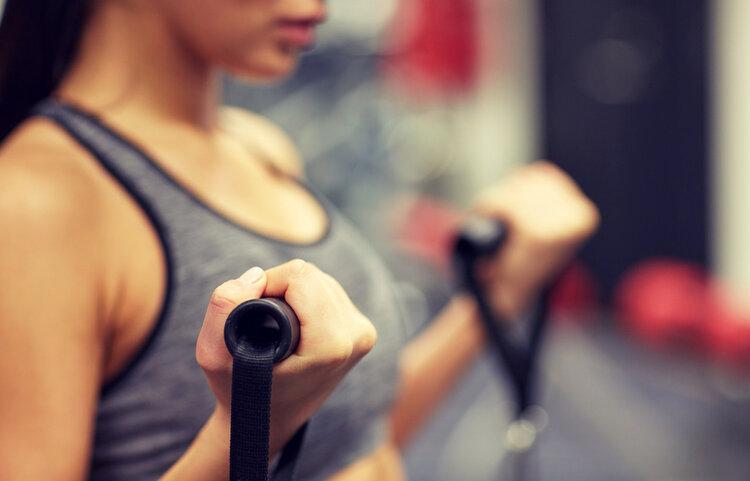 """很瘦却""""虎背熊腰""""?4个方法锻炼斜方肌,帮你塑形"""