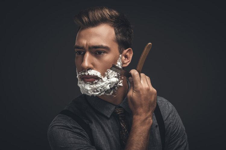 男人的胡子很旺盛、长得快,说明