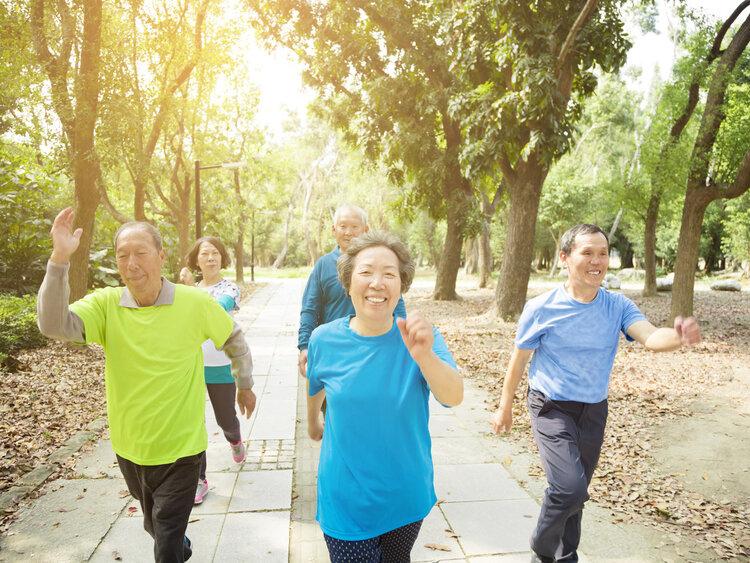 每天走路30分钟,身体可以在3个地方获益,划算!