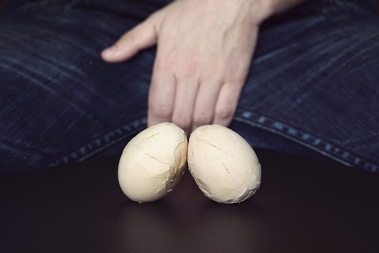 男性朋友请注意:这4个异常症状都有可能是睾丸癌,别羞于发现