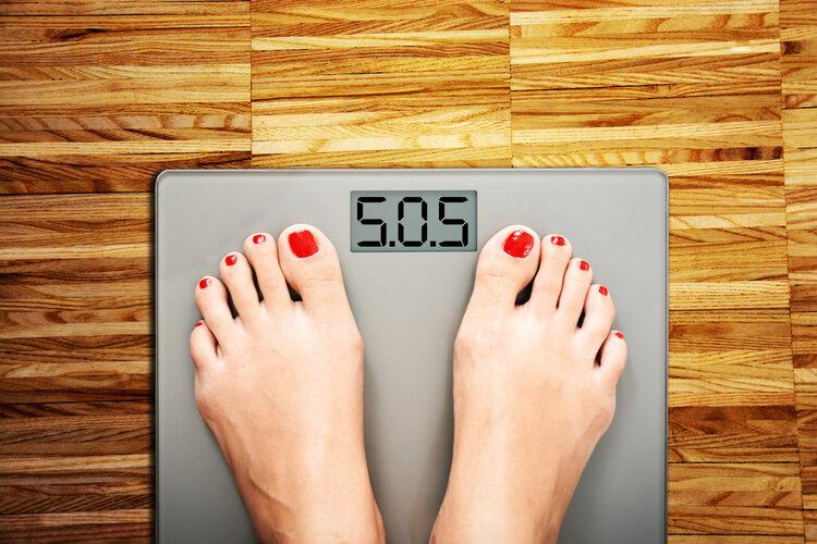 早上称体重比昨天晚上轻很多,难道睡觉也可以消耗脂肪?