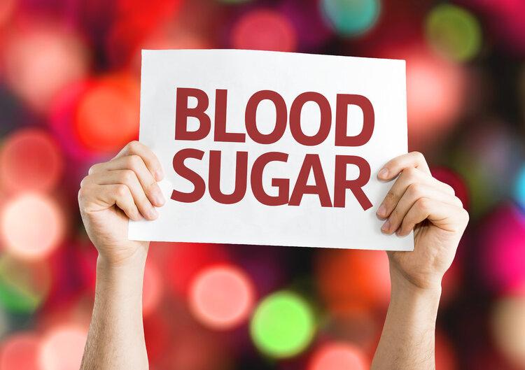 血糖过低,身体会有3个反应,挺明显的