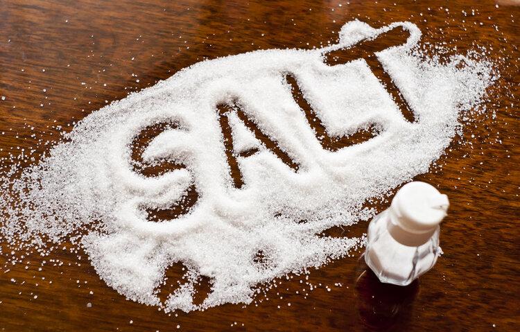 早喝盐水晚喝蜜吗 养生达人为你辟谣
