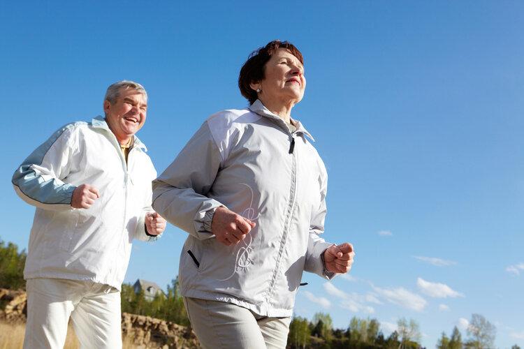 最新欧洲研究证实:爱锻炼的老人更长寿!但这3点要特别注意