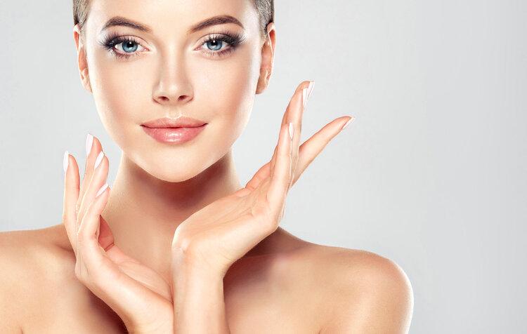 吃燕窝、桃胶能补充胶原蛋白?想要肌肤紧致做好这几件事