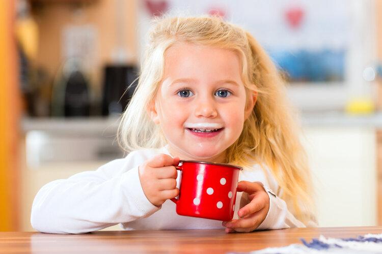 牛奶早上喝还是晚上喝?关于牛奶的3个真相,一次告知