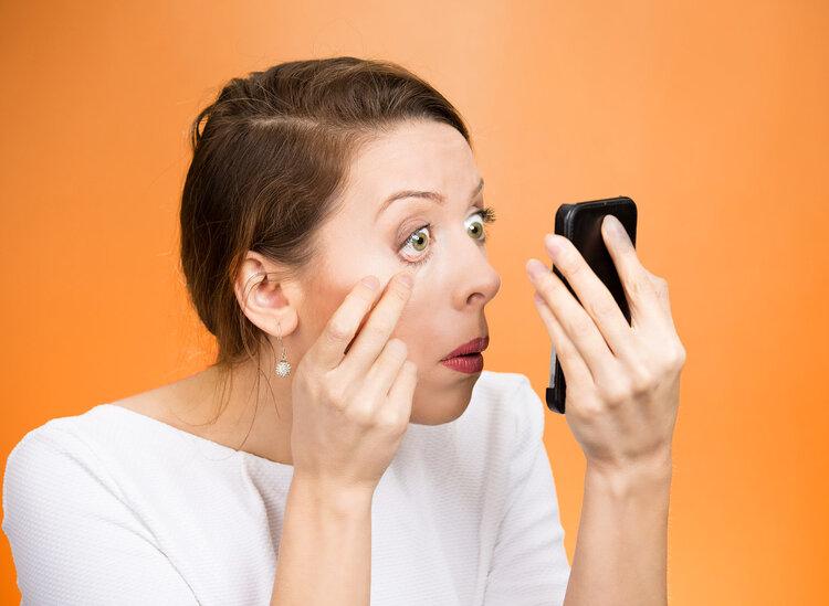 左眼跳财,右眼跳灾?真相:眼皮跳可能和这2种因素有关