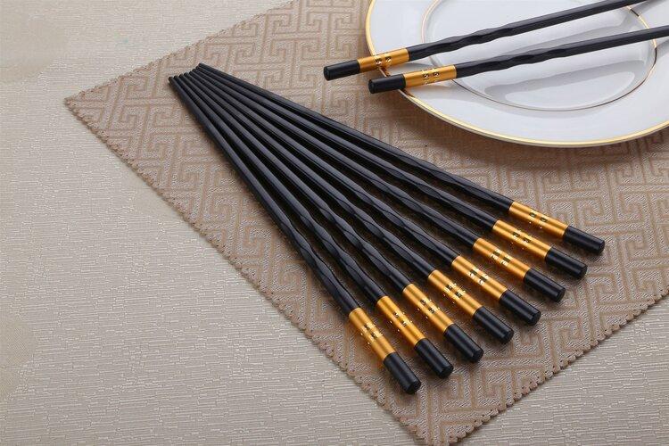 用了2年的木筷有多脏?筷子用久了会致癌?不是吓唬你!